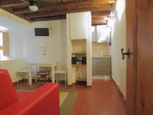 Peruzzi House