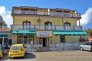 Apartments Lustica