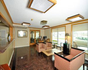 Baymont Inn & Suites Sandusky, Szállodák  Sandusky - big - 22