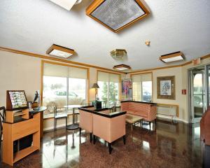 Baymont Inn & Suites Sandusky, Szállodák  Sandusky - big - 20