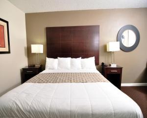 Baymont Inn & Suites Sandusky, Szállodák  Sandusky - big - 3
