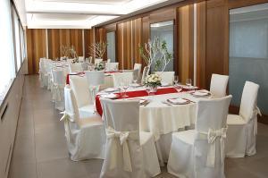 Hotel Ristorante Donato, Hotely  Calvizzano - big - 57