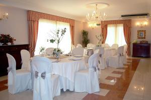 Hotel Ristorante Donato, Hotely  Calvizzano - big - 67