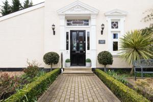Villiers Lodge Hotel