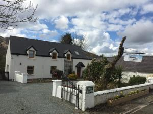 The Glen Farmhouse