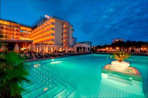 Hotel Bibione Palace, Отели  Бибионе - big - 3