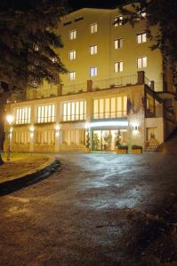 Prenota Hotel Miravalle 2000