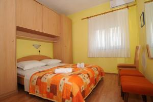 Apartments Katica 3465, Apartments  Makarska - big - 5