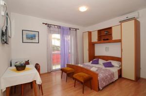 Apartments Katica 3465, Apartments  Makarska - big - 19