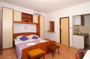 Apartments Katica 3465, Apartments  Makarska - big - 17