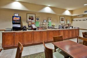 Country Inn & Suites by Radisson, Sumter, SC, Hotel  Sumter - big - 15