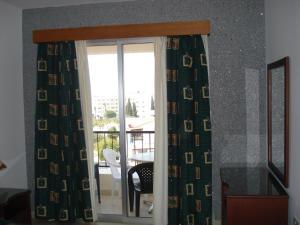 Petsas Apartments, Residence  Coral Bay - big - 47
