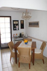 Maison Plage de la Garonette, Holiday homes  Sainte-Maxime - big - 2