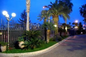 Hotel Ristorante Donato, Hotely  Calvizzano - big - 65
