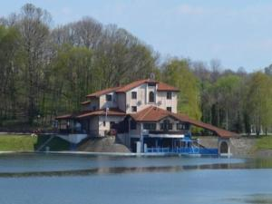 Jezero Guest House