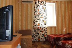 Guest House GorodOk, Bed and breakfasts  Chornomorskoe - big - 9