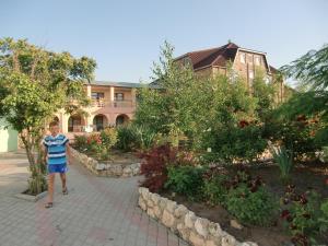 Guest House GorodOk, Bed and breakfasts  Chornomorskoe - big - 1