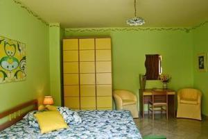 I Colori dell'Arcobaleno, Bed & Breakfasts  Santo Stefano di Camastra - big - 14