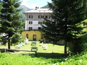Hotel Europa, Hotels  Peio Fonti - big - 33