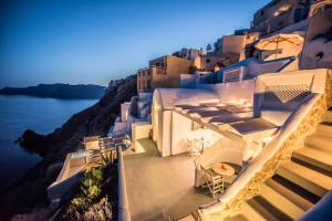 Virginia's Cave Villas(Oia)