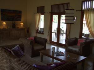 Guesthouse Rumah Senang, Гостевые дома  Kalibaru - big - 49
