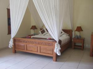 Guesthouse Rumah Senang, Гостевые дома  Kalibaru - big - 41