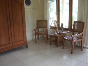 Guesthouse Rumah Senang, Гостевые дома  Kalibaru - big - 39