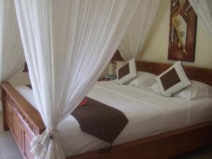 Guesthouse Rumah Senang, Гостевые дома  Kalibaru - big - 38