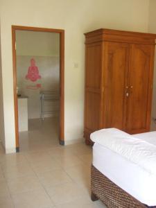 Guesthouse Rumah Senang, Гостевые дома  Kalibaru - big - 16