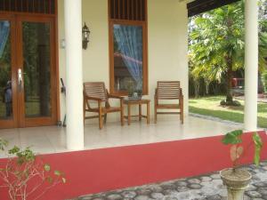 Guesthouse Rumah Senang, Гостевые дома  Kalibaru - big - 7