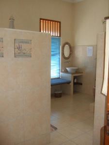 Guesthouse Rumah Senang, Гостевые дома  Kalibaru - big - 30