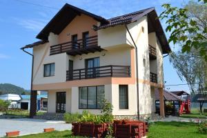 Casa Arinis