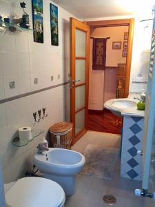 Casa Costa D'Amalfi, Apartmanok  Salerno - big - 21