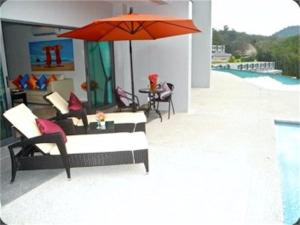 Patong Bay Hill 1 bedroom Apartment, Appartamenti  Patong Beach - big - 1