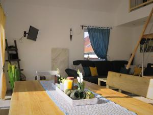 Holiday Home Has N Res 2