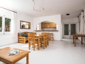 Holiday Home Amfora Muns, Prázdninové domy  Sant Pere Pescador - big - 24