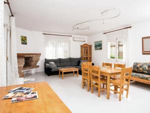 Holiday Home Amfora Muns, Prázdninové domy  Sant Pere Pescador - big - 23