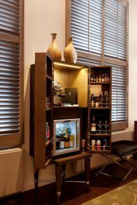 Luxury Suite with Garden View