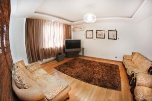 Апартаменты AHome 76 на Хусаинова - фото 8