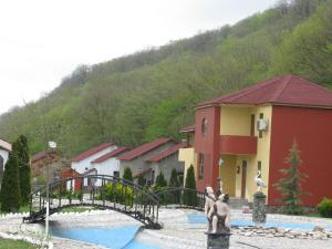 Отель Alpine Inn - фото 12