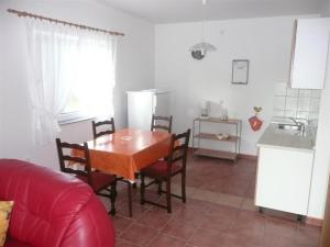 Apartment in Rab/Insel Rab 16212, Appartamenti  Barbat na Rabu - big - 11