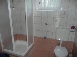 Apartment in Rab/Insel Rab 16212, Appartamenti  Barbat na Rabu - big - 9