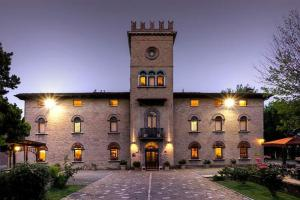 Nearby hotel : Hotel Castello