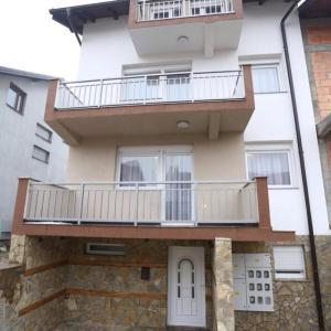 Apartments Kolonija