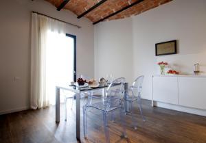 Deco Apartments – Diagonal, Ferienwohnungen  Barcelona - big - 54