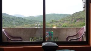 Hills View Apartment