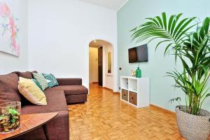 Leo Apartment