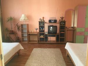 Holiday Home On Lugovaya, Holiday homes  Chornomorskoe - big - 41