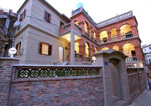 Huangsheng's Inn