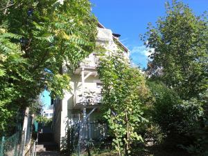 Petite Bellevue, Апартаменты  Баден-Баден - big - 40